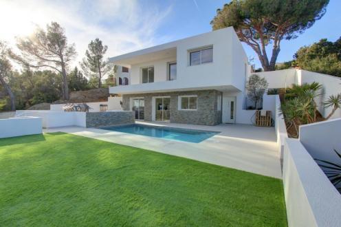 Maison de luxe à vendre FREJUS, 120 m², 3 Chambres, 890000€