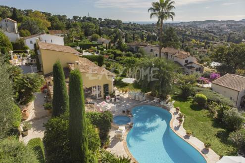 Villa de luxe à vendre MOUGINS, 211 m², 3 Chambres, 1590000€