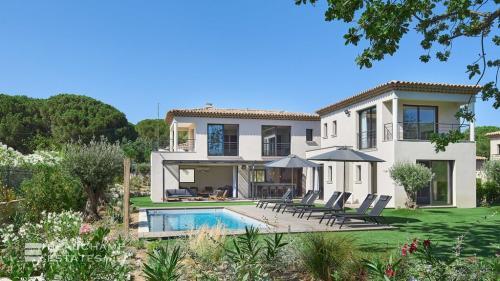 Villa de luxe à vendre SAINT TROPEZ, 239 m², 5 Chambres, 4000000€