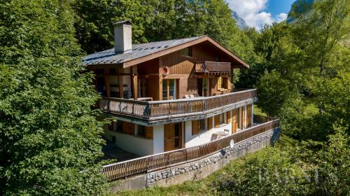 Luxury Chalet for sale LE GRAND BORNAND, 221 m², 8 Bedrooms, € 1 260 000