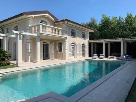 Вилла класса люкс на продажу  FORTE DEI MARMI, 420 м², 7 Спальни, 5000000€