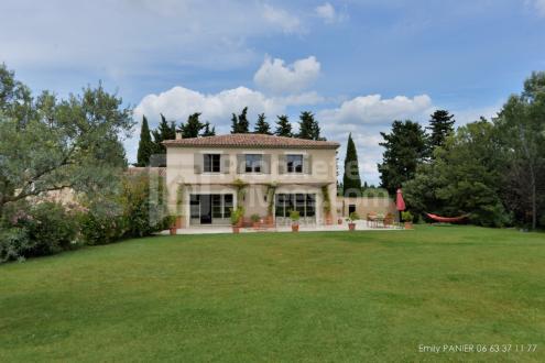 Luxury Property for sale SAINT REMY DE PROVENCE, 255 m², 4 Bedrooms, €922000