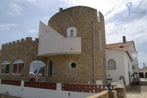 Дом класса люкс на продажу  Испания, 327 м², 5 Спальни, 1050000€