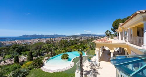 Propriété de luxe à vendre CANNES, 599 m², 4 Chambres, 14900000€