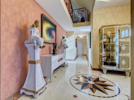Villa di lusso in vendita PAU, 400 m², 5 Camere, 1007000€
