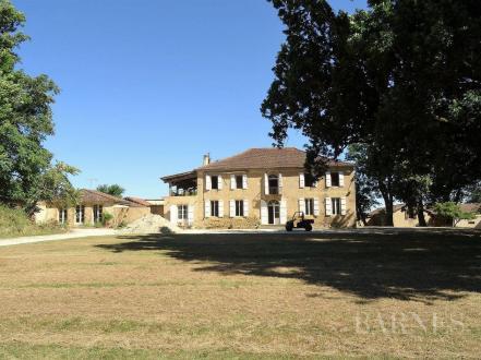 Luxe Kasteel/landhuis te koop AUCH, 500 m², 7 Slaapkamers, 1680000€