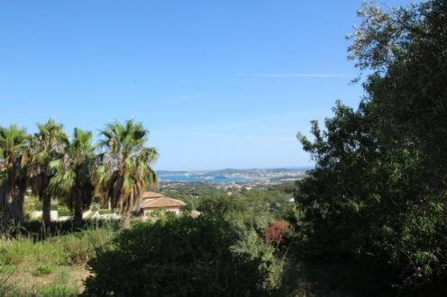 Luxury House for rent OLLIOULES, 197 m², 5 Bedrooms, €2190/month