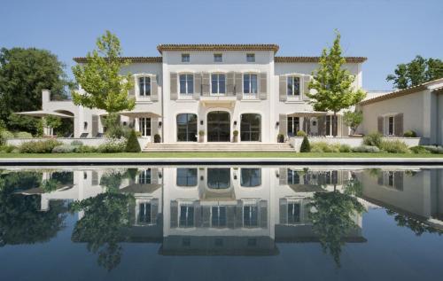 Maison de luxe à louer FAYENCE, 8 Chambres,