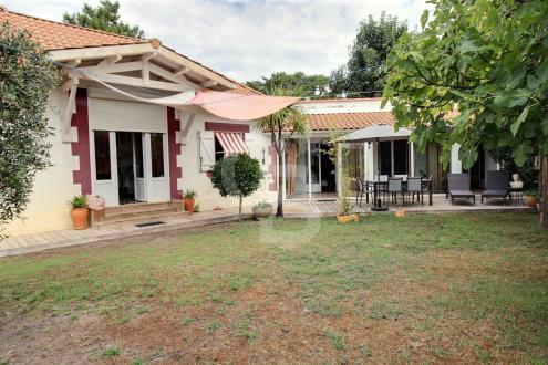 Дом класса люкс на продажу  Кап Ферре, 5 Спальни, 2900000€