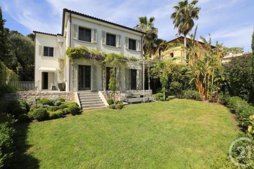 Casa di lusso in affito BEAULIEU SUR MER, 230 m², 3 Camere, 14375€/mese
