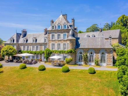 Luxury Castle for sale PLOMB, 650 m², 13 Bedrooms, € 1 550 000