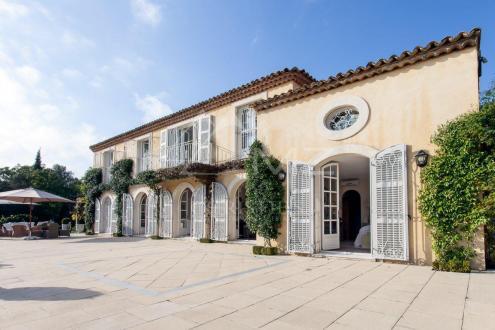 Дом класса люкс на продажу  Гассен, 244 м², 4 Спальни, 4900000€