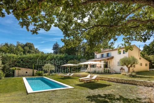 Farm de luxe à vendre LACOSTE, 125 m², 4 Chambres, 995000€