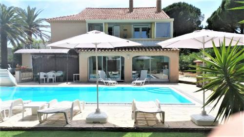 Luxus-Villa zu verkaufen CAVALAIRE SUR MER, 230 m², 7 Schlafzimmer, 1150000€