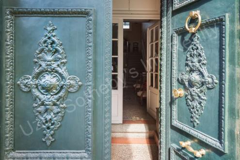 Château / Manoir de luxe à vendre UZES, 600 m², 6 Chambres, 2400000€