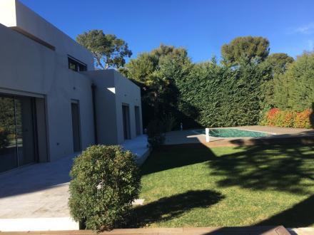 Villa de luxe à vendre ROQUEBRUNE CAP MARTIN, 200 m², 4 Chambres, 3650000€