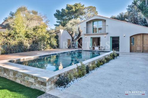 Villa de luxe à vendre CAP D'ANTIBES, 170 m², 6 Chambres, 2070000€