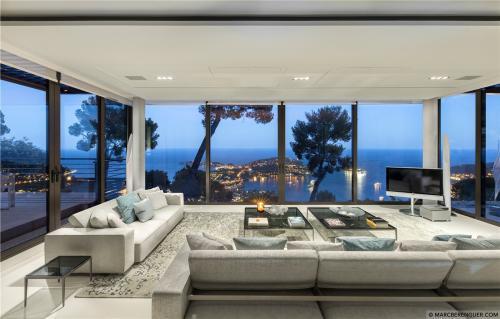 Maison de luxe à louer VILLEFRANCHE SUR MER, 300 m², 5 Chambres,