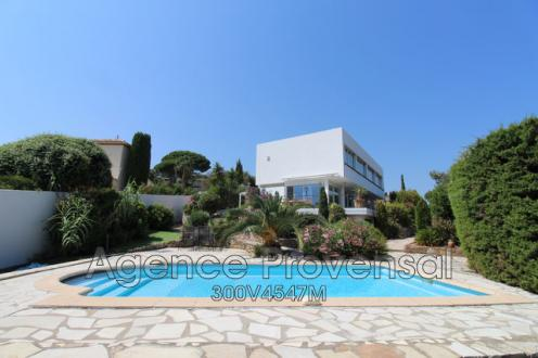 Villa de luxe à vendre LES ISSAMBRES, 180 m², 6 Chambres, 695000€