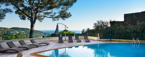 Luxury House for rent MOUGINS, 240 m², 4 Bedrooms,