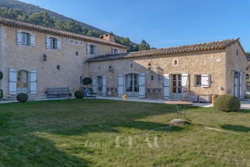 Casa di lusso in vendita BONNIEUX, 630 m², 6 Camere, 4185000€