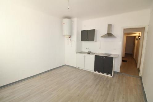 Luxe Appartement te huur LA SEYNE SUR MER, 31 m², 360€/maand