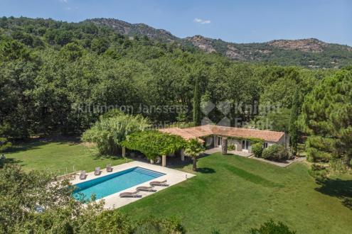 Villa de luxe à vendre LA GARDE FREINET, 185 m², 5 Chambres, 1195000€