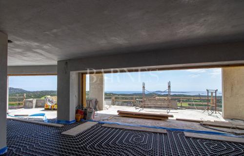 Вилла класса люкс на продажу  Италия, 230 м², 5 Спальни