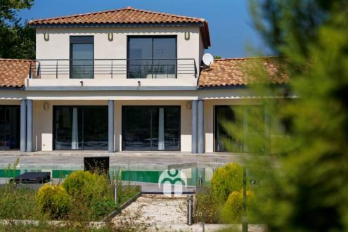 Villa de luxe à vendre SAINT CANNAT, 244 m², 6 Chambres, 995000€