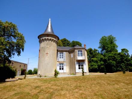 Château / Manoir de luxe à vendre GUERET, 287 m², 7 Chambres, 639000€