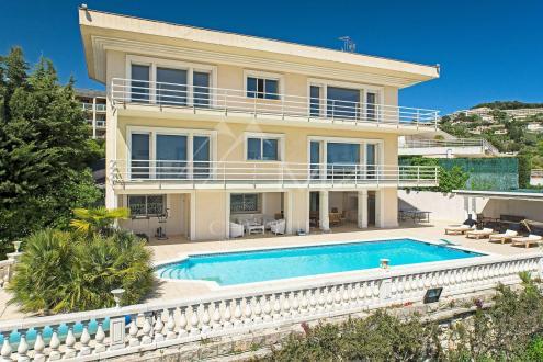 Дом класса люкс в аренду Ле-Канне, 450 м², 6 Спальни,