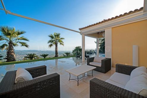 Villa de luxe à vendre GRASSE, 236 m², 5 Chambres, 1990000€