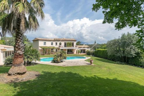 Villa de luxe à vendre MOUGINS, 396 m², 6 Chambres, 2490000€