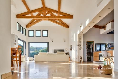 Maison de luxe à vendre BEDARRIDES, 205 m², 4 Chambres, 690000€
