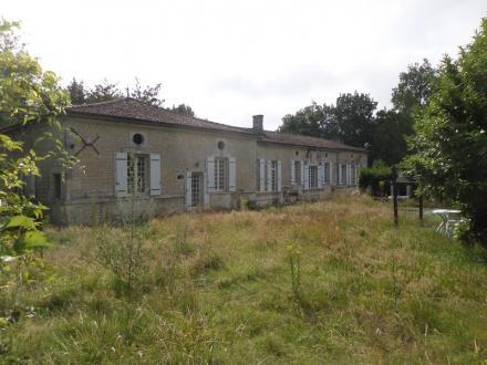 Maison de luxe à vendre SAINTES, 287 m², 6 Chambres, 646600€