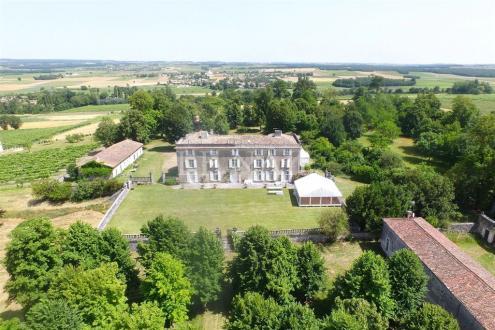 Château / Manoir de luxe à vendre ANGOULEME, 600 m², 9 Chambres, 1166000€