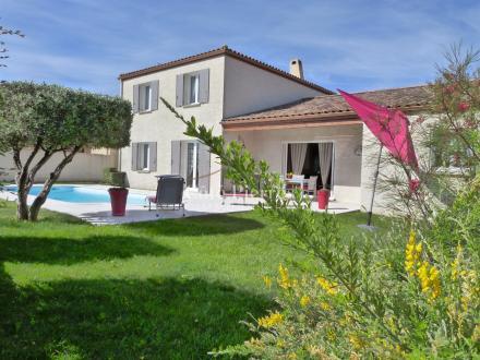 Villa de luxe à vendre CAISSARGUES, 214 m², 4 Chambres, 567000€