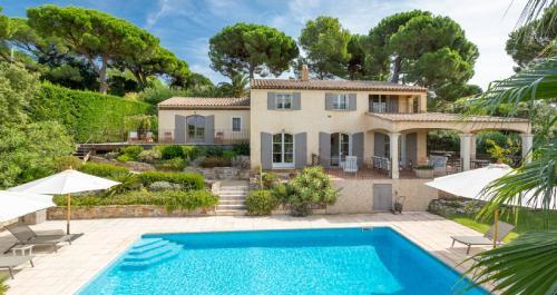 Luxury House for rent SAINT TROPEZ, 200 m², 5 Bedrooms,