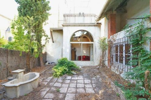 Luxury Apartment building for sale L'ISLE SUR LA SORGUE, 500 m², € 913 500