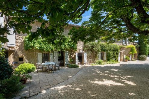Luxury Farm for sale L'ISLE SUR LA SORGUE, 305 m², 4 Bedrooms, €1090000
