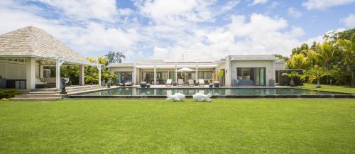 Luxury Villa for sale Mauritius, 354 m², 4 Bedrooms, €1902655