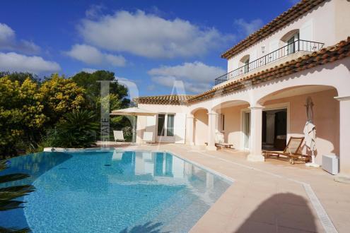 Villa de luxe à vendre SAINT RAPHAEL, 200 m², 4 Chambres, 1365000€