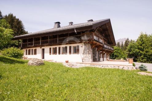 Luxury Farm for sale COMBLOUX, 323 m², €2100000