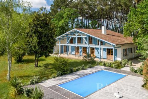 Maison de luxe à vendre SOUSTONS, 350 m², 8 Chambres, 892500€