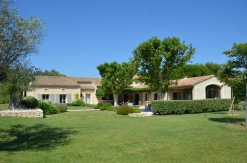 Maison de luxe à vendre EYGALIERES, 397 m², 6 Chambres, 3250000€