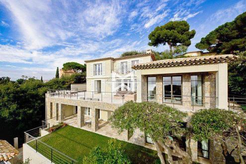 Дом класса люкс в аренду Кап д'Антиб, 400 м², 6 Спальни,