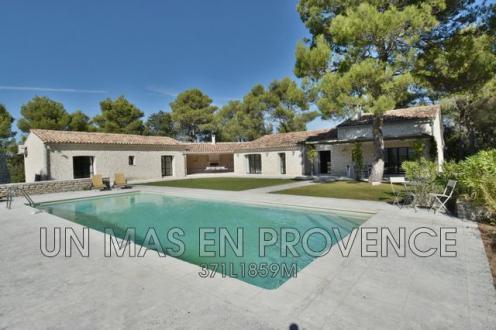 Luxury House for rent MENERBES, 200 m², 3 Bedrooms,