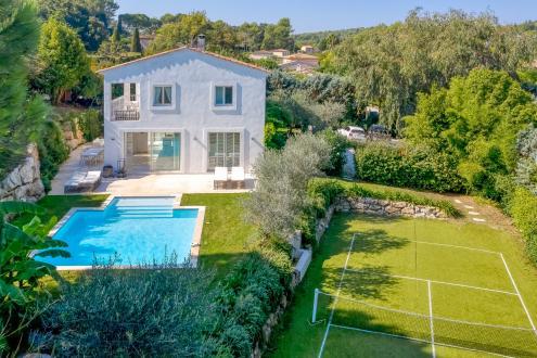 Villa de luxe à vendre VALBONNE, 197 m², 3 Chambres, 1350000€