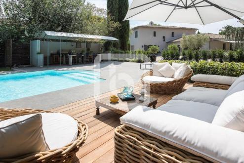 Villa de luxe à vendre MOUGINS, 280 m², 4 Chambres, 2190000€