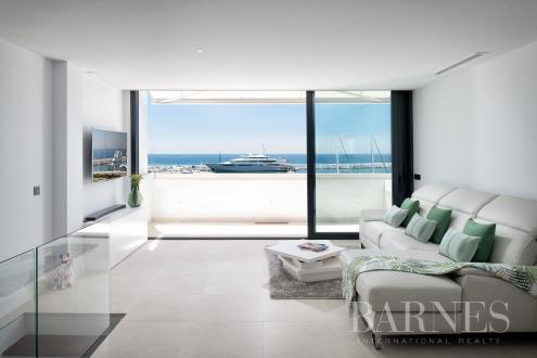 Квартира класса люкс на продажу  Испания, 143 м², 2 Спальни, 999000€